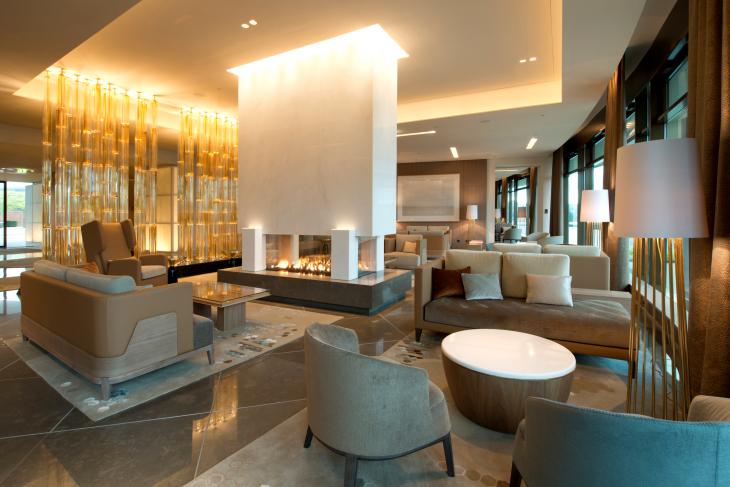 Elliot Barnes Ritz Carlton lifeMstyle
