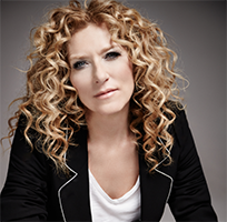 IN CONVERSATION WITH KELLY HOPPEN